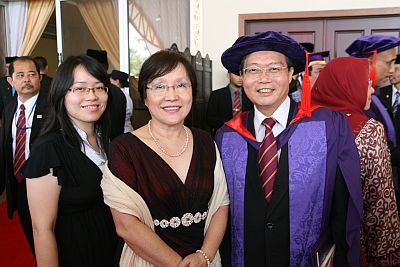 Prof. Dr. Lim Koon Ong and family,